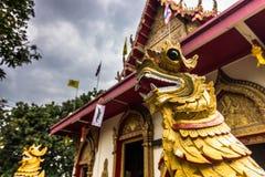 Статуя в виске Чиангмая, Таиланде стоковая фотография rf