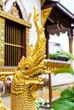 Статуя в солнечном свете, Таиланд предохранителя дракона буддизма Религия Стоковые Изображения
