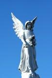 статуя голубого неба ангела Стоковые Фотографии RF