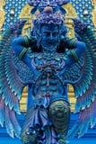 Статуя голубого предохранителя в виске сини Wat Rong Suea 10 в Chiang Rai, Таиланде Стоковые Изображения