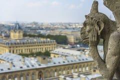 Статуя горгульи в Нотр-Дам Стоковая Фотография RF