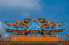 статуя двойного дракона золотистая Стоковая Фотография RF