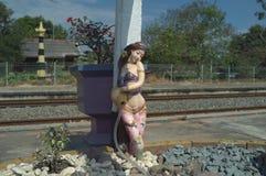Статуя девушки ` s Kaeng Khoi НИКАКОЙ 2 стоковая фотография rf