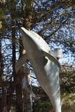 Статуя дельфина на мистическом аквариуме в Коннектикуте Стоковые Изображения RF