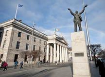 Статуя Дублина GPO, Larkin и шпиль. Стоковое Изображение