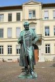 Статуя известного профессора Роберта Bunsen в Гейдельберге стоковая фотография