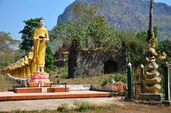 Статуя изображения Будды на монастыре Ya животиков Tai Стоковое Изображение RF