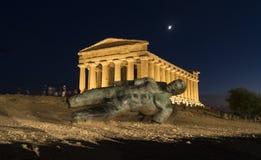 Статуя Икара стоковые изображения rf