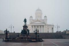 Статуя императора Александра II и собор Хельсинки, Финляндия Стоковое Фото