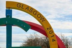 Статуя искусства расположенная в популярном парке зеленого цвета Глазго для того чтобы отпраздновать игры государства Глазго успе стоковые изображения rf