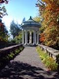Статуя и тропа сада особняка 03 Рокефеллер Стоковое Изображение RF