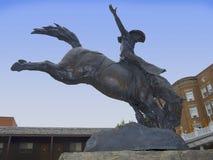 Статуя ковбоя в бесполезном стоковое фото