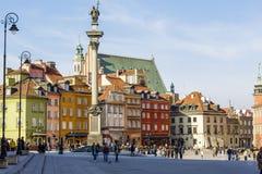 Статуя короля Zygmunt III Waza и квадрат замка стоковое фото rf