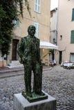 Статуя Ленин в старом городке St Tropez, Франции стоковая фотография rf