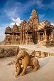 статуя льва короля дракой Стоковое Фото