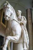 Статуя Маркуса Nonius Balbus на идя рысью лошади стоковые фотографии rf