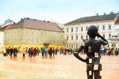 Статуя мальчика телефона Стоковое Фото