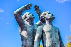 Статуя 2 мальчиков в парке Vigeland, Осло Стоковые Изображения RF