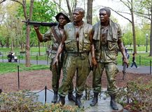 Статуя мемориала война США против Демократической Республики Вьетнам 3 солдат, DC Вашингтона, США стоковая фотография rf
