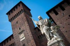 статуя милана Италии стоковая фотография rf