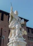 Статуя милана разбивочная с ребенком Стоковая Фотография RF