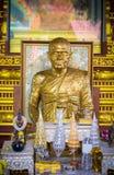 Статуя монаха в буддийских висках Стоковые Изображения RF