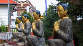 Статуя монахов буддистов стоковое фото