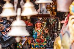 Статуя на виске Swayambunath, Катманду Будды, Непал стоковое фото rf