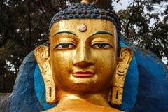 Статуя на виске Swayambunath, Катманду Будды, Непал стоковая фотография