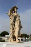Статуя на дворце боли челки Стоковая Фотография