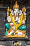 Статуя на землях виска Ulun Danu Beratan, Bedoegoel Ganesha, Бали Индонезия стоковая фотография