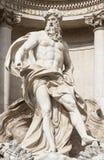 Статуя Нептуна фонтана Trevi (Фонтаны di Trevi) в Риме Стоковое Изображение RF