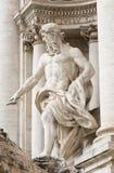 Статуя Нептуна фонтана Trevi (Фонтаны di Trevi) в Риме Стоковое фото RF