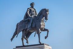 Статуя отсчета Gyula Andrassy, парламента придает квадратную форму, Будапешт стоковые изображения rf