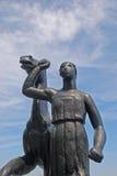 Статуя лошади женщины ведущая Стоковое Изображение RF