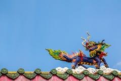 Статуя лошади дракона на крыше в китайском виске Стоковое фото RF