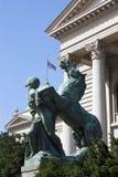Статуя перед национальным собранием Сербии, Белграда Стоковые Изображения