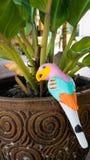 Статуя птицы керамическая Стоковая Фотография RF