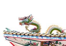 Статуя дракона на крыше в белой предпосылке Стоковая Фотография RF