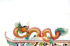 Статуя дракона на крыше Стоковые Фотографии RF