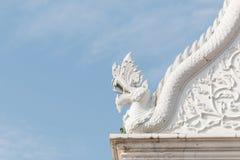 Статуя дракона на крыше Стоковое фото RF