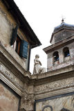Статуя расположенная на церков San Giovanni Evangelista в Венеции, Италии Стоковое Фото