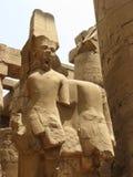 Статуя Ра Amun божества, висок Karnak стоковое фото