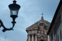 Статуя Рима на снаружи от каменных мраморных дизайнов художника римской империи стиля в Риме Италии 2014 Стоковое фото RF