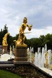 статуя России petergof perseus стоковое изображение rf