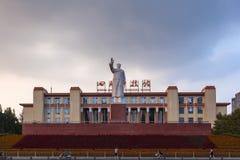 Статуя руководителя Mao на квадрате Tianfu стоковые изображения rf