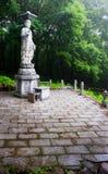 Статуя сада Будды в виске Sinheungsa в Na Seoraksan Стоковая Фотография