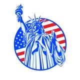 Статуя свободы в сини на предпосылке флага США Стоковые Изображения