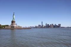 Статуя свободы, взгляд Манхаттана - Нью-Йорк Стоковые Изображения RF