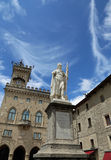 Статуя свободы в стране Сан-Марино и место Governme Стоковые Фотографии RF